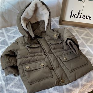 Kids green puffer jacket perfect for winter!